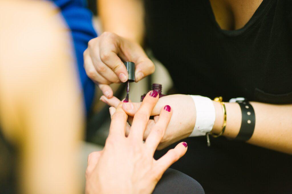 Τα νύχια μας είναι ο καθρέφτης της υγείας μας.